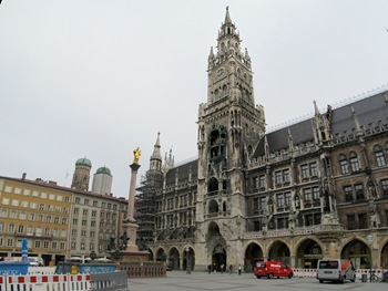 München_Rathaus_Panorama_2