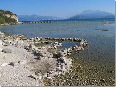 seltsamen Steinformationen im Gardasee