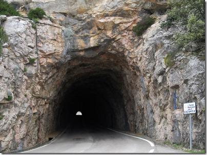 Tunnel durch Tramuntana Gebirge