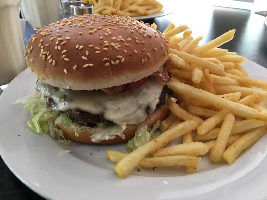 non fast food burger restaurant 8 burger lounge hamburg mendener net das blog eines. Black Bedroom Furniture Sets. Home Design Ideas